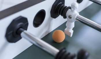 tischkicker tischfussball kicker spielregeln